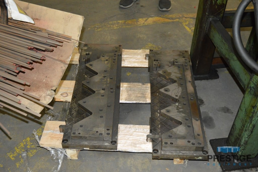 "3/8"" Diameter Hydraulic Wire Bender, 3-Hydraulic Cylinders, Set up V-Shape Bending, Dies, #31105"