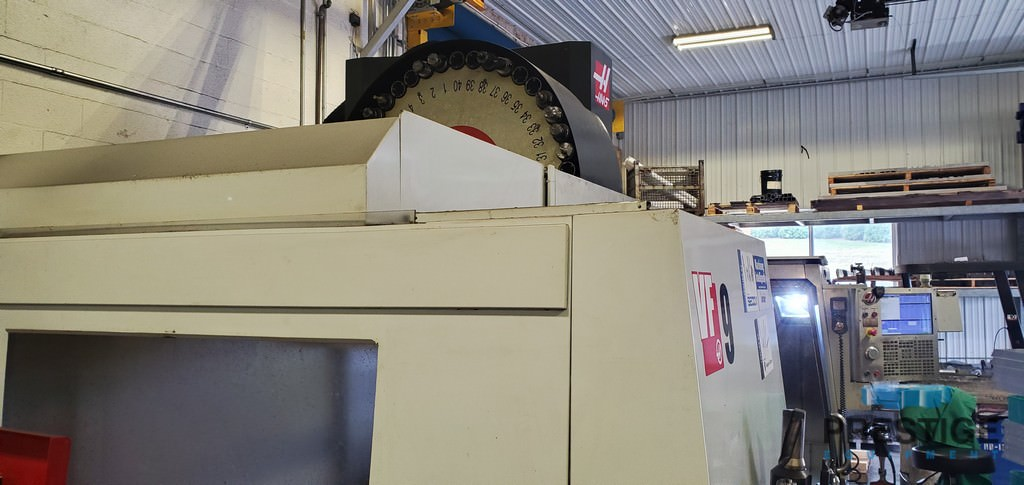 """Haas VF-9, X-84"""", Y-40"""", 10,000 RPM, Thru Spindle Coolant (1000), Renishaw Probe, Pre-Wired 4th & 5th Axis, 2014, #31065"""
