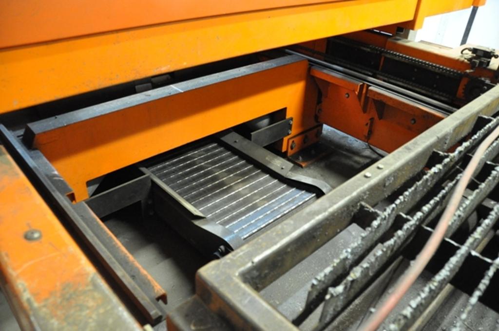 4000 Watt Bystronic CNC Flying Optic CNC Laser