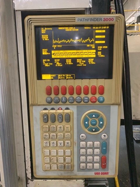 400-TON 40 0Z VAN DORN INJECTION MOLDING MACHINE - MODEL 400HT-1920 MFG NEW IN 2000