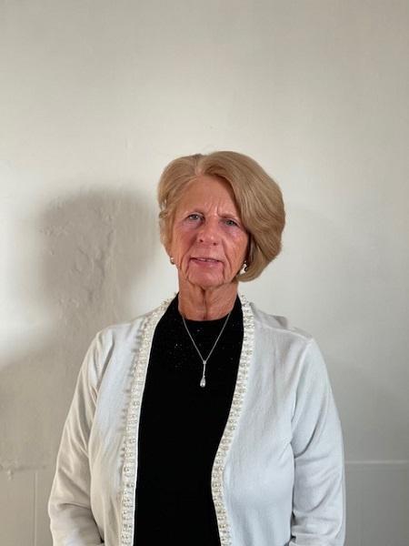 Profile Photo of Karen E  Office Manager