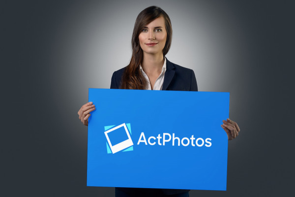 Sample branding #2 for Actphotos