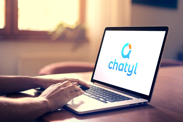 Sample branding #1 for Chatyl