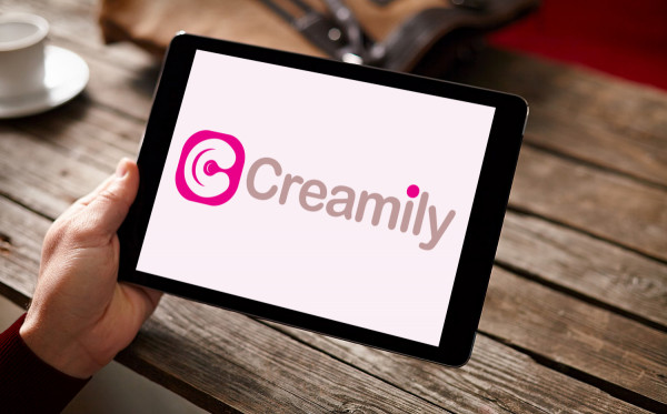 Sample branding #2 for Creamily