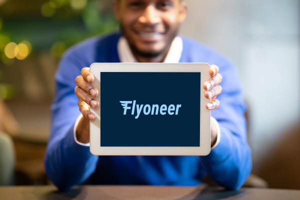 Sample branding #1 for Flyoneer