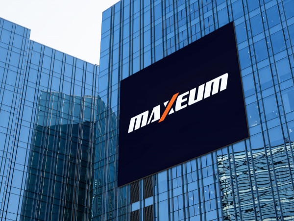Sample branding #2 for Maxeum