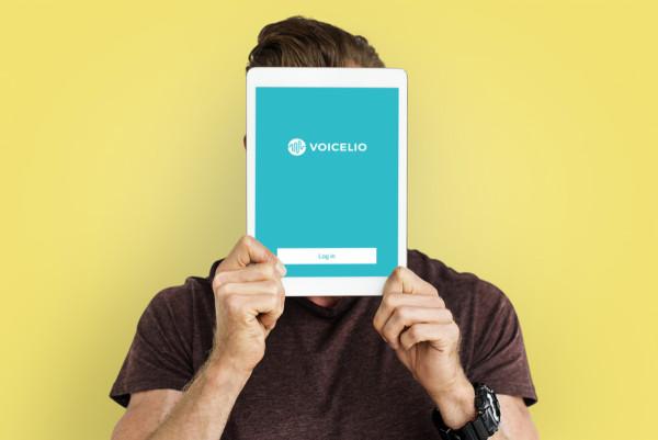 Sample branding #2 for Voicelio