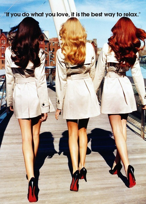 3 women walking away beige coats christian louboutin black pumps