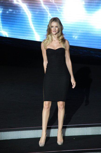 rosie huntington whiteley and christian louboutin pigalle plato gallery