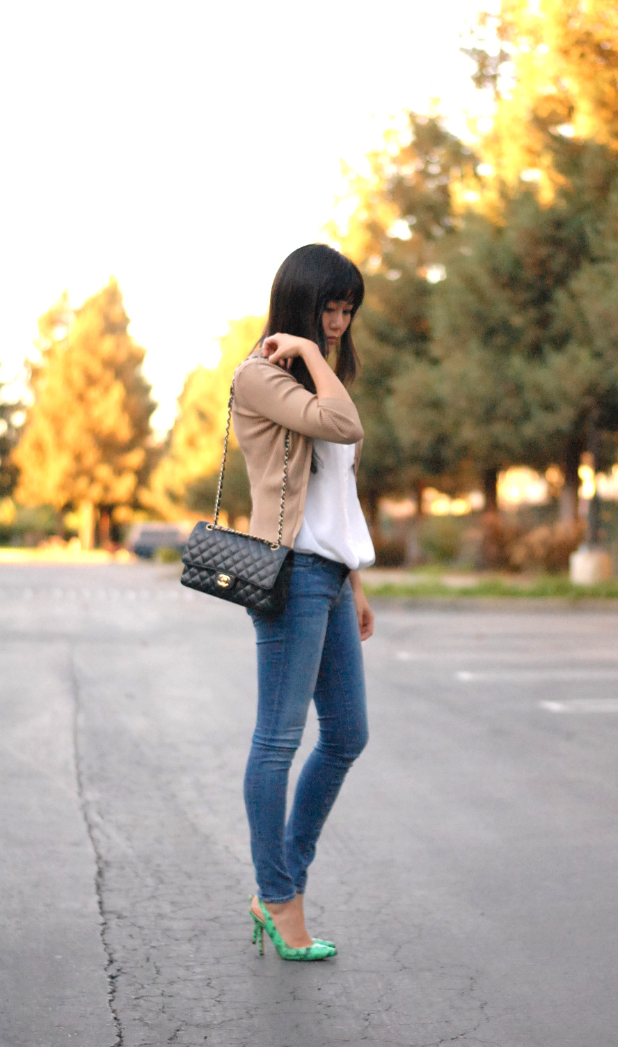Equipment top Frame skinny jeans double flap Chanel caviar bag