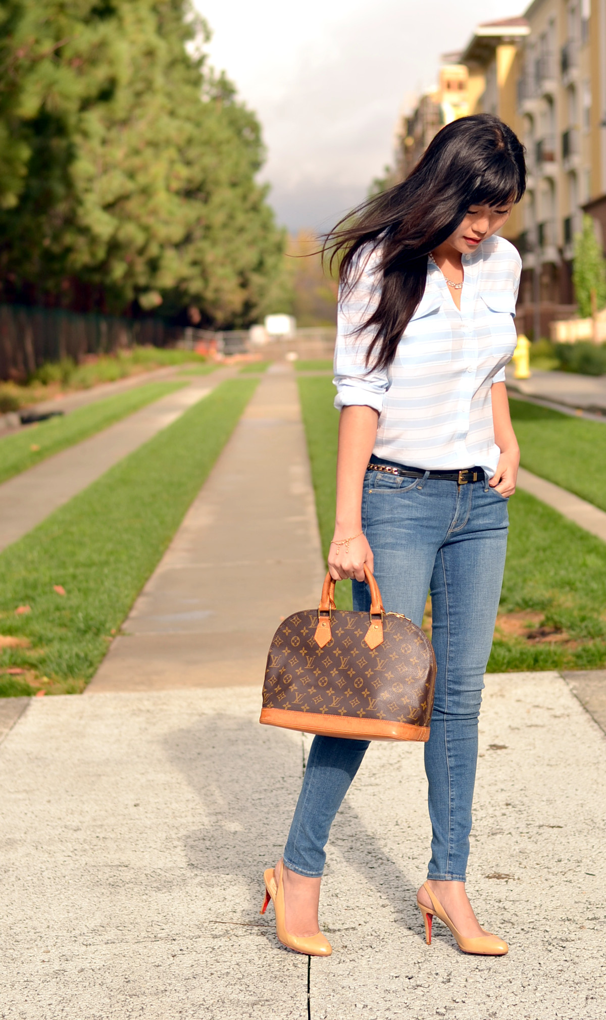 Outfit with Louis Vuitton Alma Bag | Lollipuff