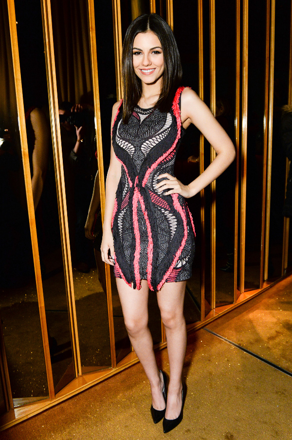 celebrities women different size age wearing herve leger bandage bodycon tight designer dress