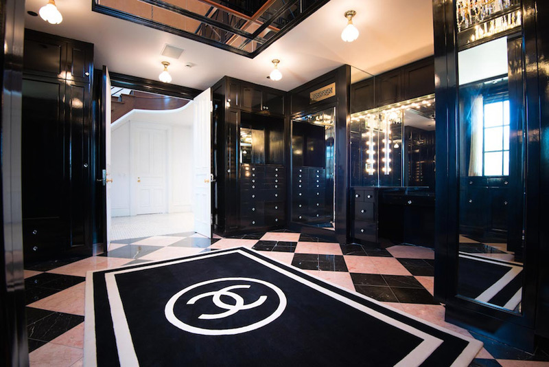World 39 s best chanel themed closet lollipuff for Inspired closets