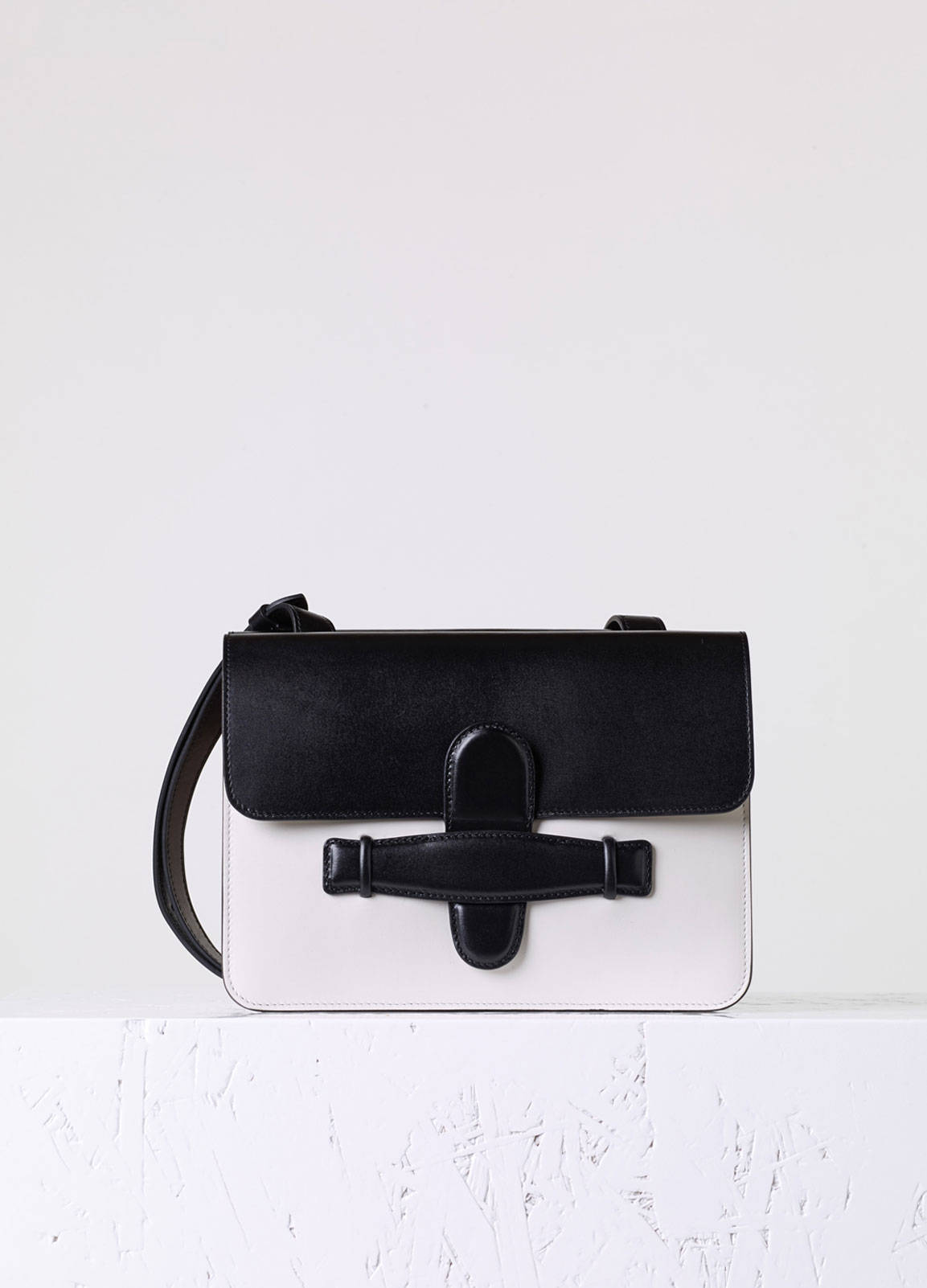 celine white leather handbag ring