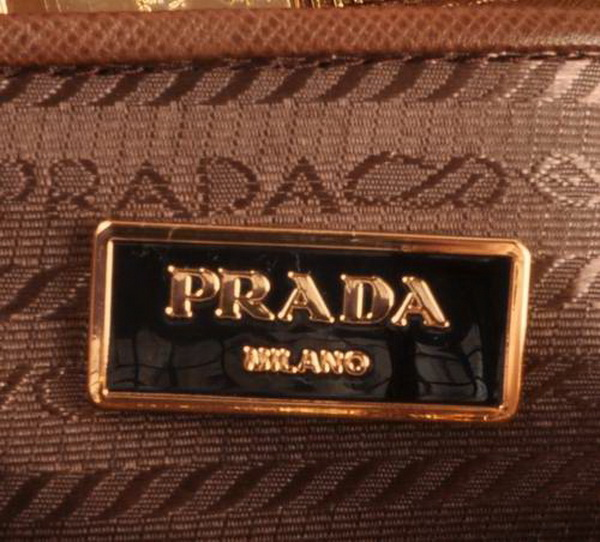 how to spot fake prada purse