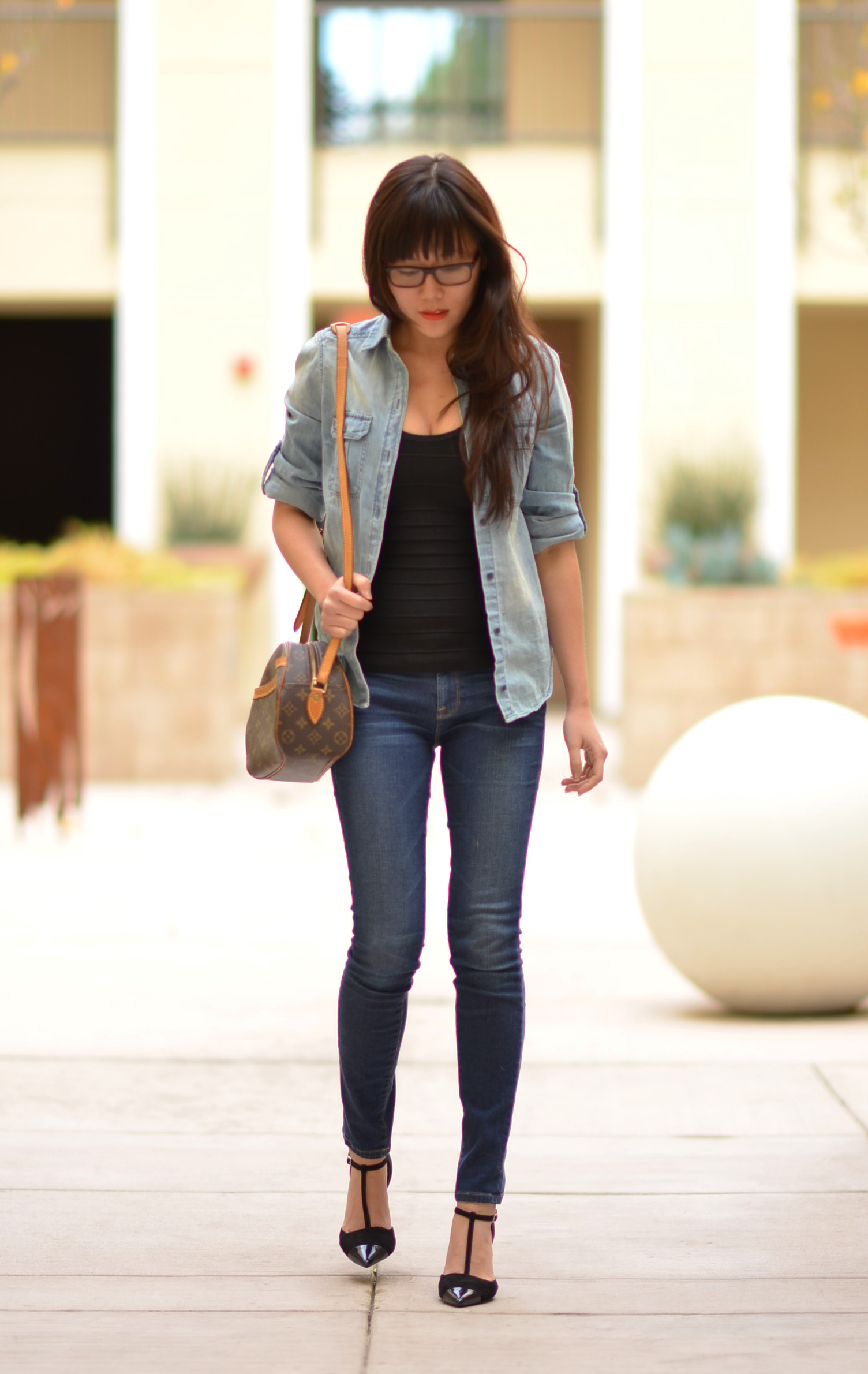 chambray button up as cardigan black herve leger tank top skinny jeans t-strap heels outfit
