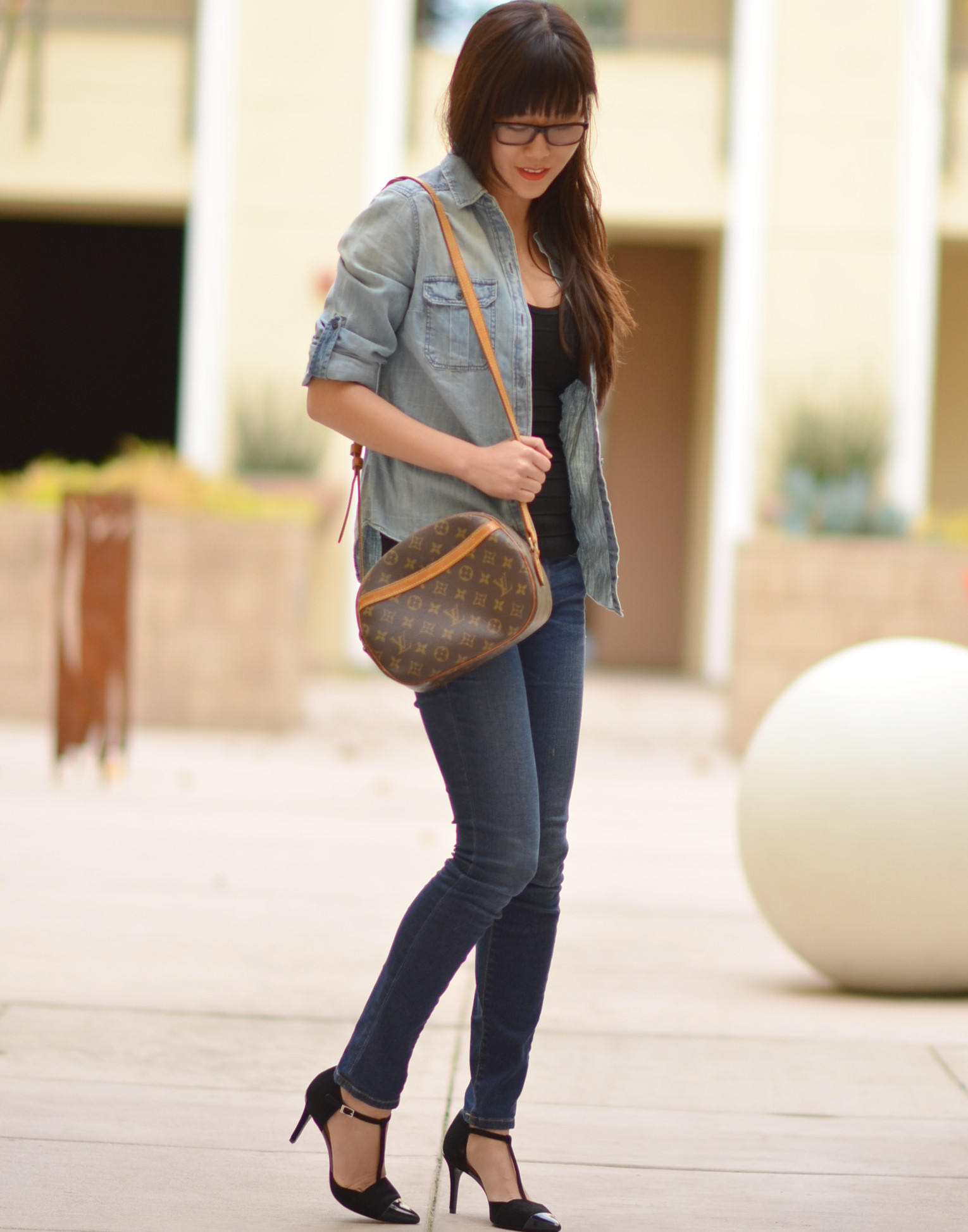 casual but polished outfit with Louis Vuitton cross body monogram bag