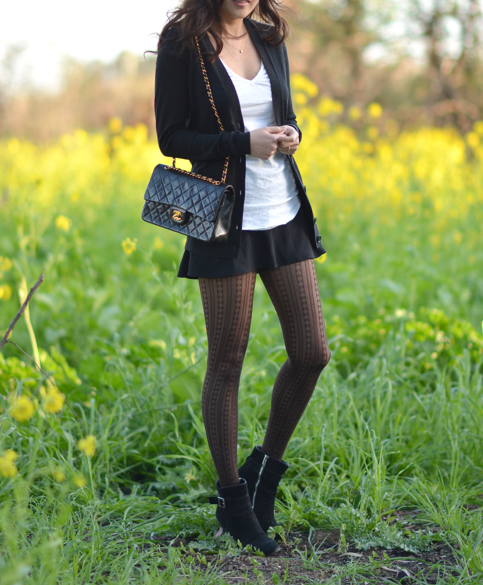 black and white spring time outfit
