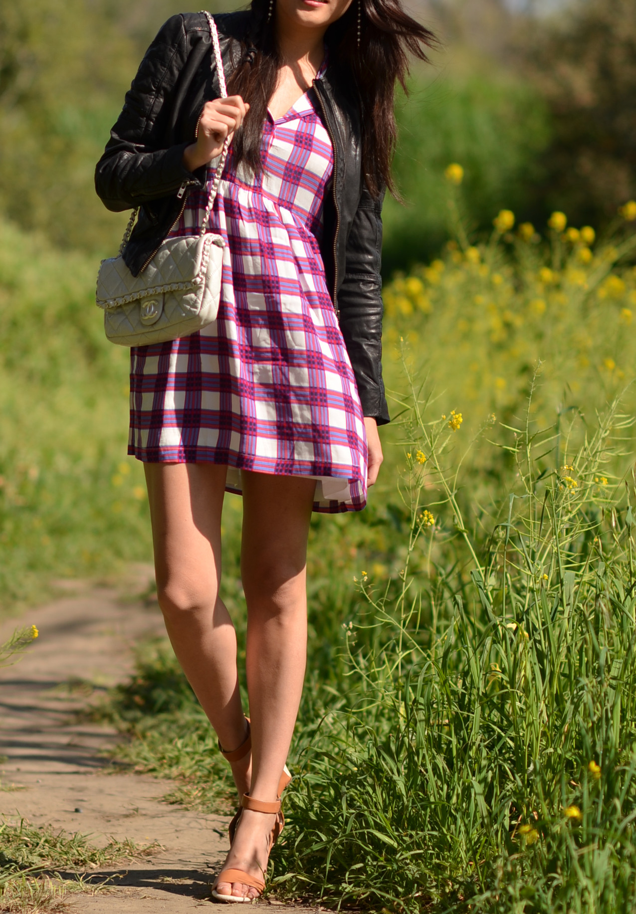 spring outfit with chanel flap bag
