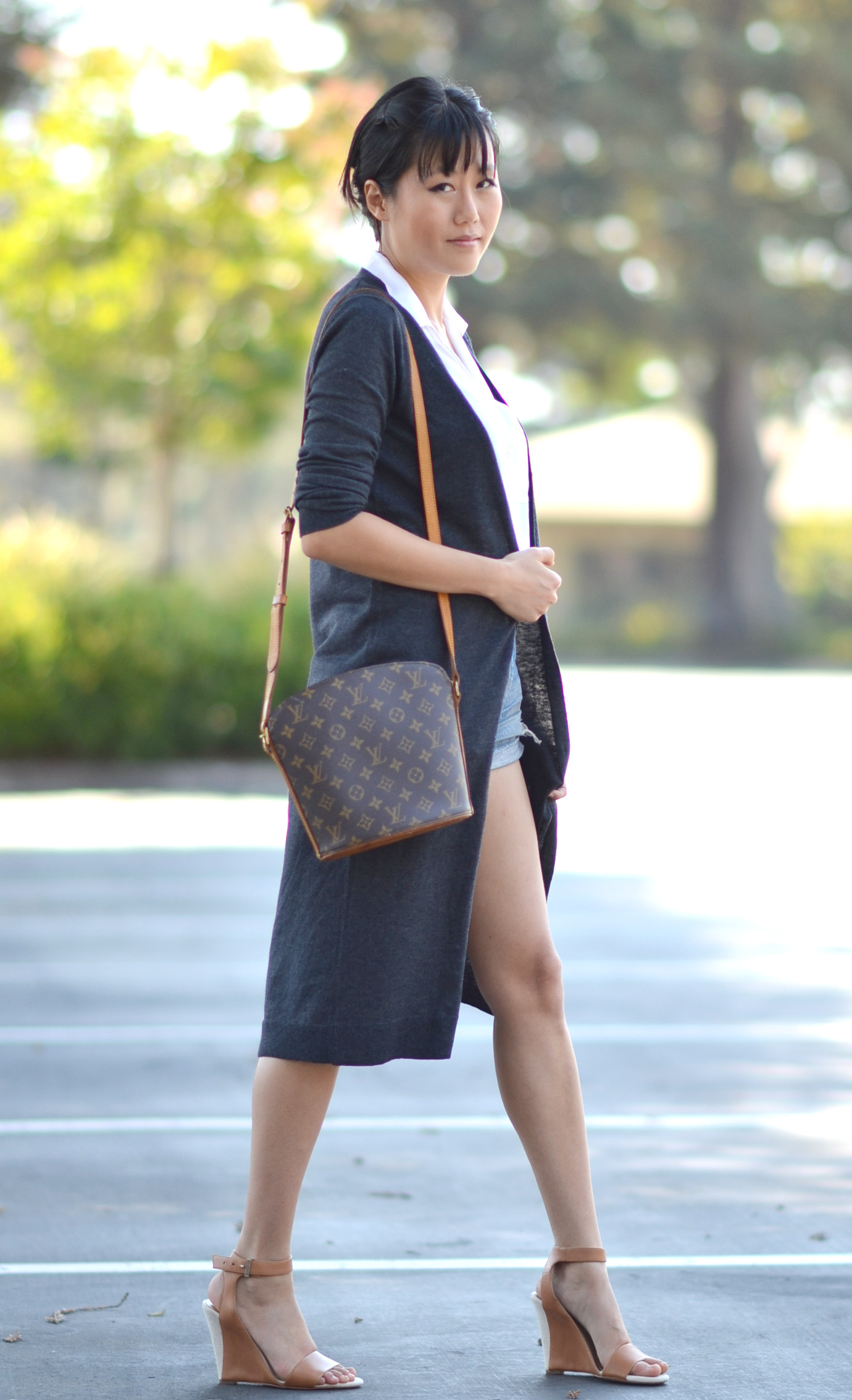 long duster fashion with louis vuitton monogram druout shoulder bag