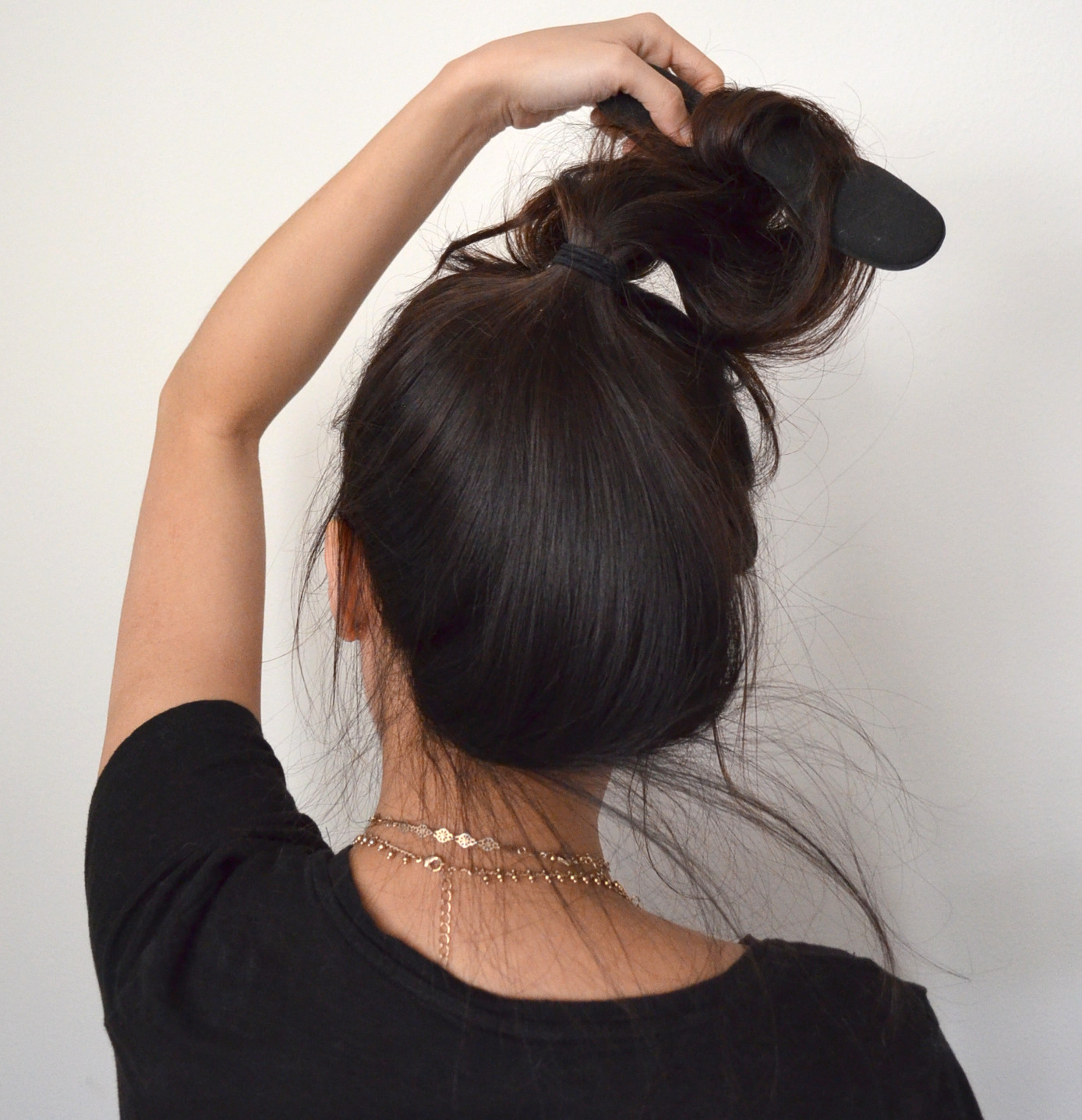high hair bun for heat free curls