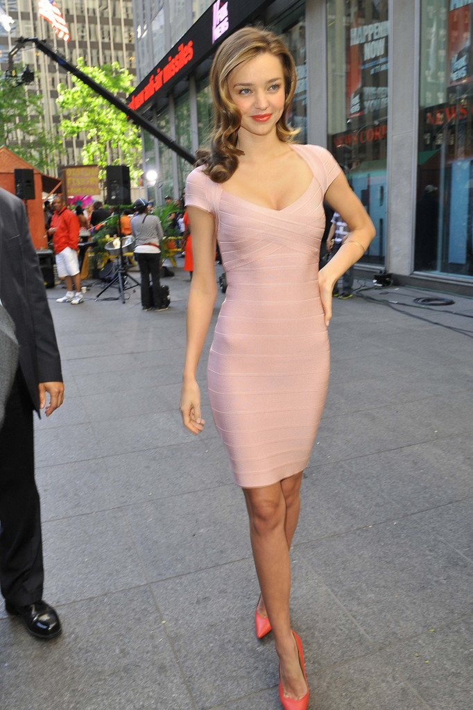 miranda kerr has now worn this same dress to two very high exposure