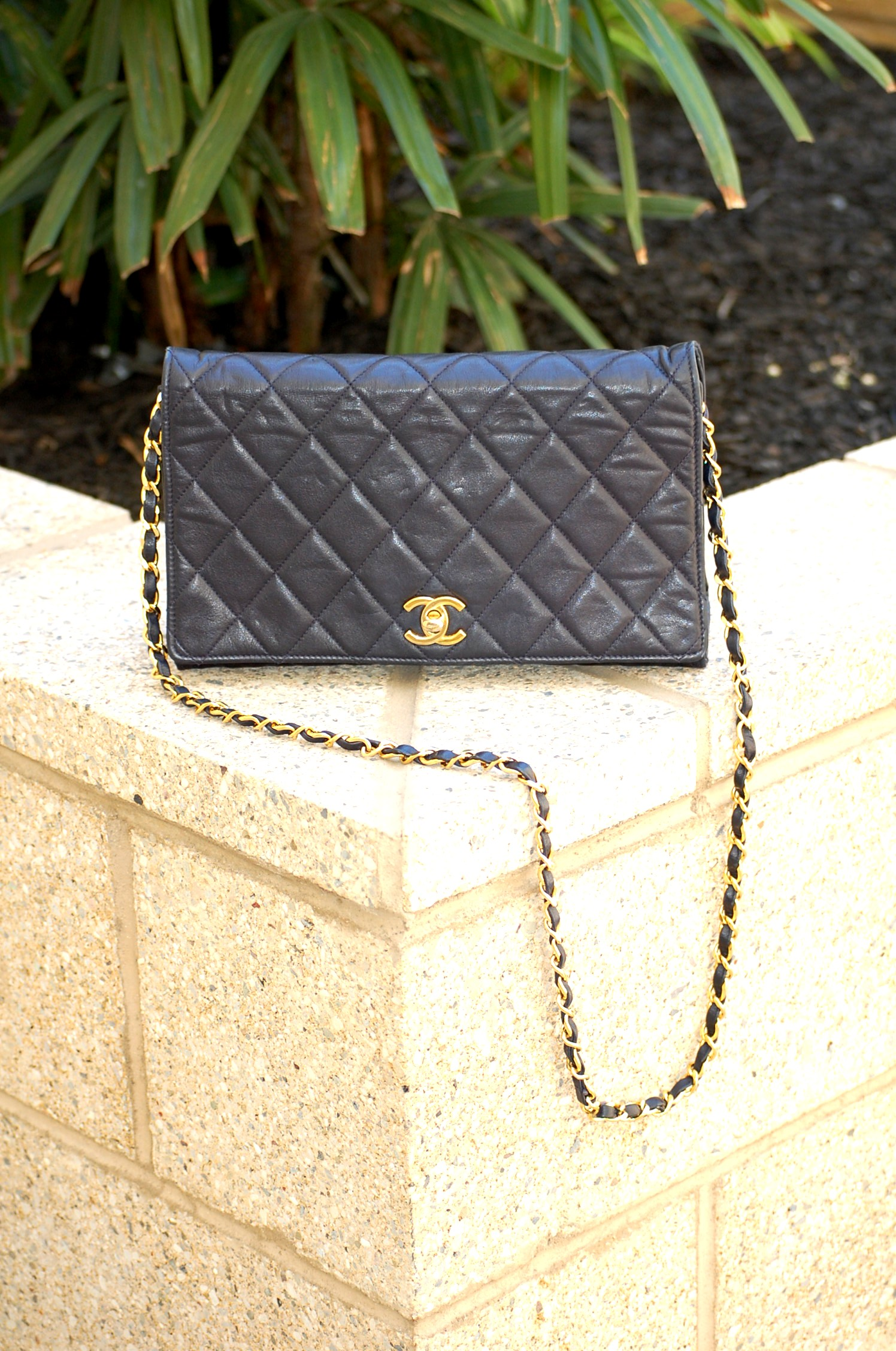Chanel single flap bag gold weaved chain straps