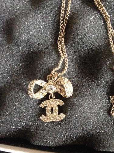 Gold bracelet charms singapore