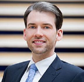 Dr Erik Strauss