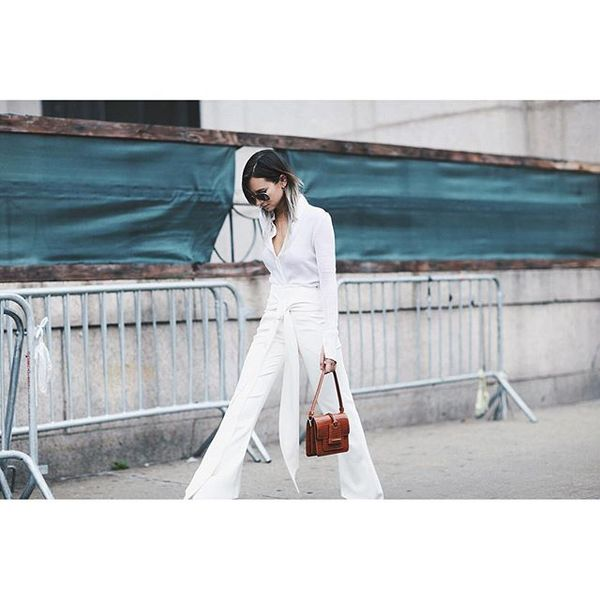 street style  @jeffthibodeauco wearing @sally_lapointe, NYFWSS16, white, suit,