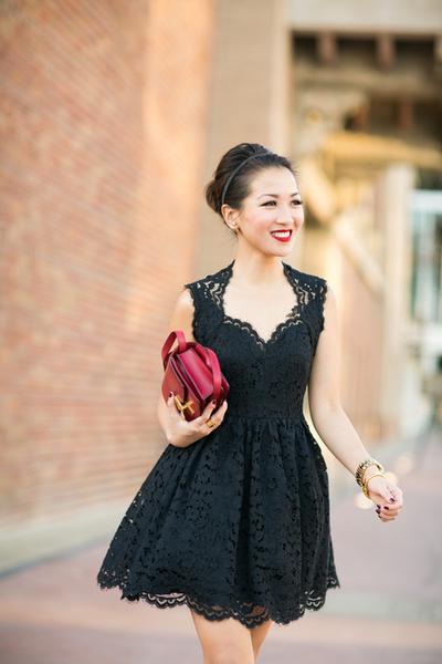 Lace Love :: Lace dress & Leopard pumps