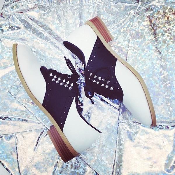 High-Voltage Saddle Shoes
