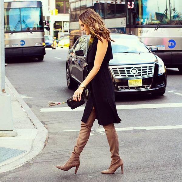 New York fashion week in full swing! From earlier... @RebeccaMinkoff clutch, @stuartweitzman boots @Karen_Millen dress, nyfwss16