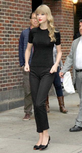 Taylor Swift in Black Pants