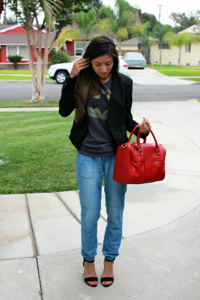 Batman Tee, jogger pants, printed t, fall, style, trend