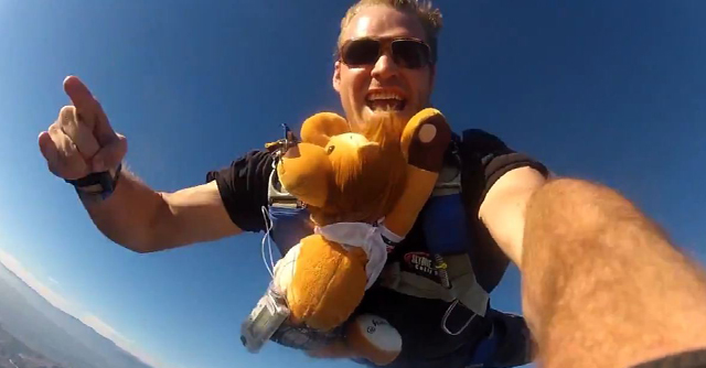 Don't Try This At Home: Skydiving With Lenny The Lion | The LOOP Blog