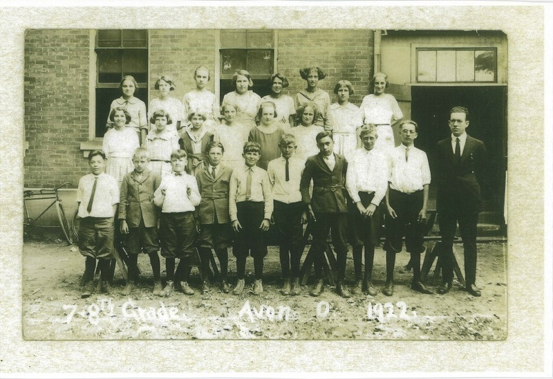 Julian St. School primary grades of 1922