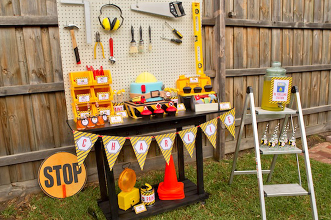 Construction Party Table - Simple peg board, bunting and construction accessories!
