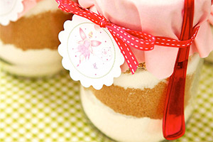 Send guests home from your fairy party with a magical cookie mix ready to bake at home.