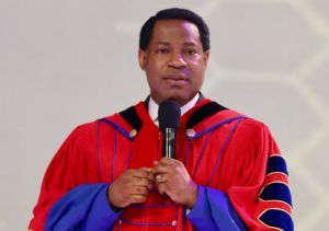 Pastor Chris Honors Esteemed LoveWorld Staff, Inspires Them to Live for the Call