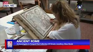 Archaeologists Discover Collection of Ornate Jewelry, Others in Pompeii