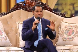 Pastor Chris Sheds More Light on Year of Perfection at January Communion Service
