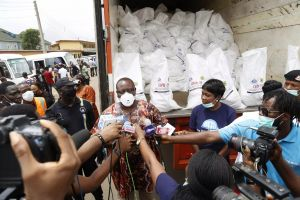 COVID-19: Pastor Chris Provides Emergency Food Relief Intervention