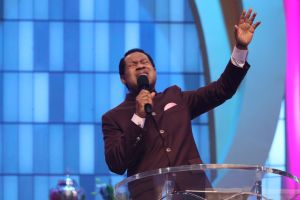 Year-Long Pray-a-thon with Pastor Chris Gloriously Glides into 5th Month