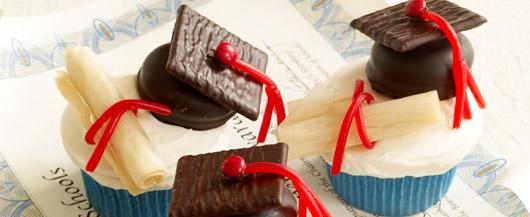 Caps and Diplomas Cupcakes