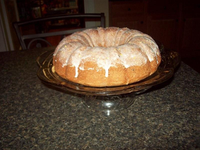 Spice raisin cake