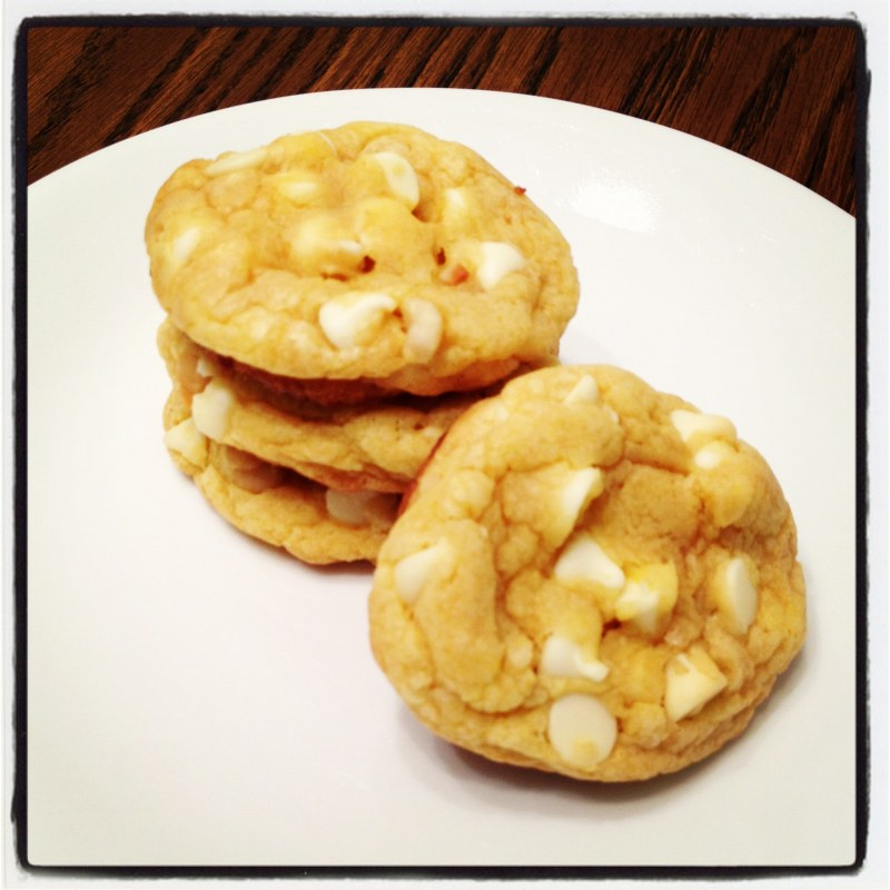 White chocolate macadamia nut cookies | Duncan Hines®