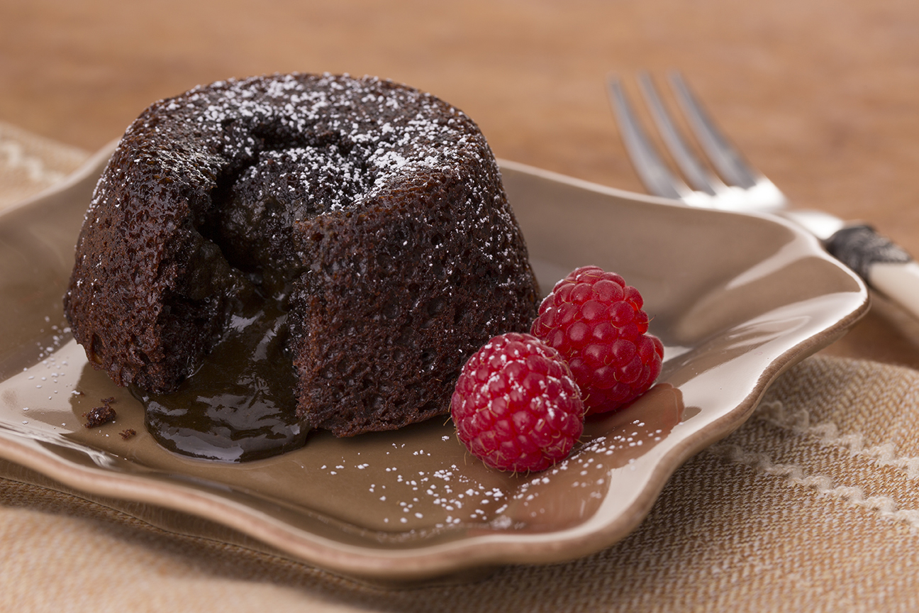 Chocolate Molten Lava Cake | Duncan Hines®