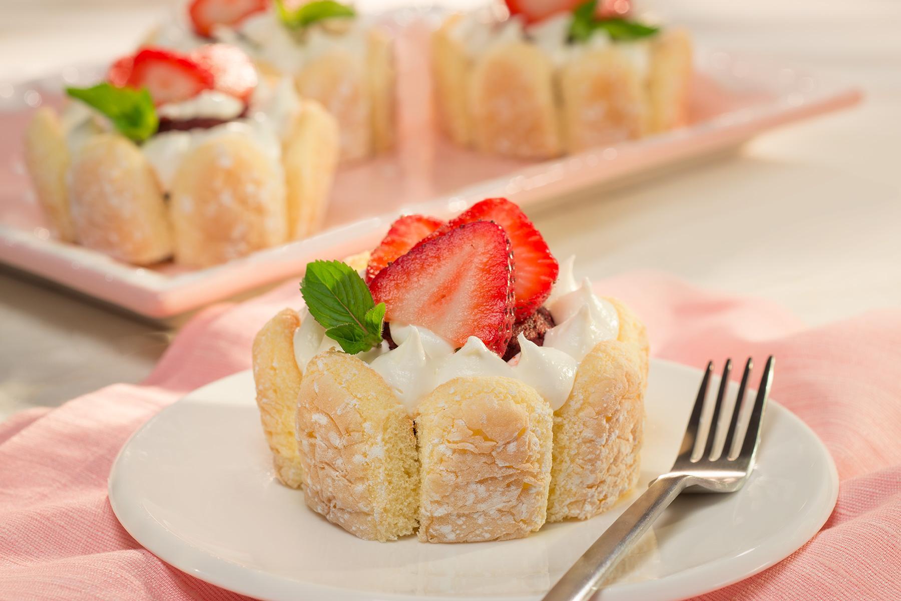 Red Velvet Lady Cakes