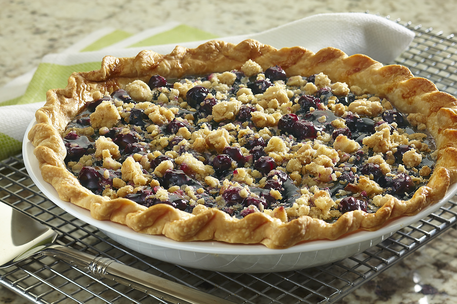 Blueberry Crumble Pie | Duncan Hines®